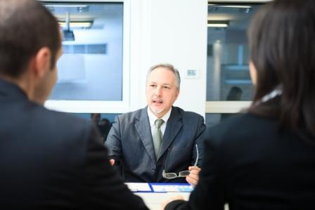 עורך דין שמנהל את המשא ומתן צריך להכיר היטב את הצד השני